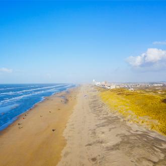 Strand en zee van Zandvoort, Nederland