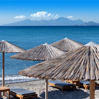Het strand in Kardamena op het Griekse eiland Kos