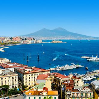 Uitzicht over de Golf van Posillipo regio Napels in Italië