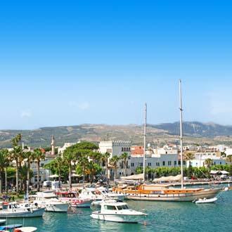 Uitzicht op de haven van Kos-stad