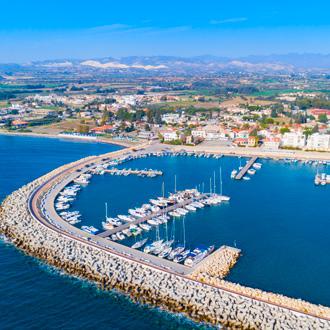 Uitzicht over de haven van Limassol, Cyprus