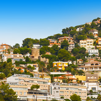 Huisjes op de heuvels in Santa Susanna, Spanje