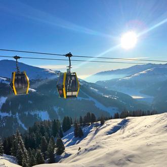 Winterlandschap met skilift in Gerlos, Oostenrijk