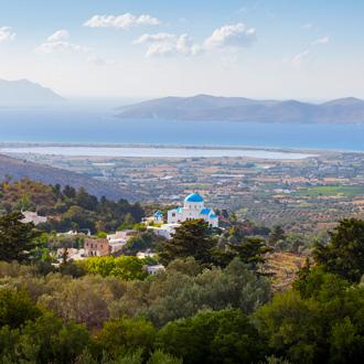 Uitzicht van het dorpje Zia in de richting Tigaki op het eiland Kos, Griekenland