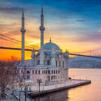 Zonsopgang in Istanbul bij de moskee