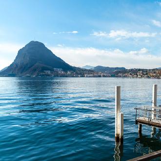 Zwitserland-Uitzicht-over-het-meer-van-Lugano