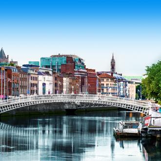 De voetgangersbrug Ha'penny Bridge in Ierland