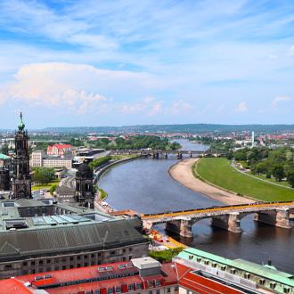 Luchtfoto van de stad Dresden in de Sachsen Staat
