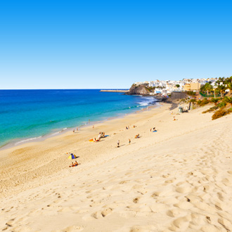 Strand wit zand in Morro Jable op Fuerteventura