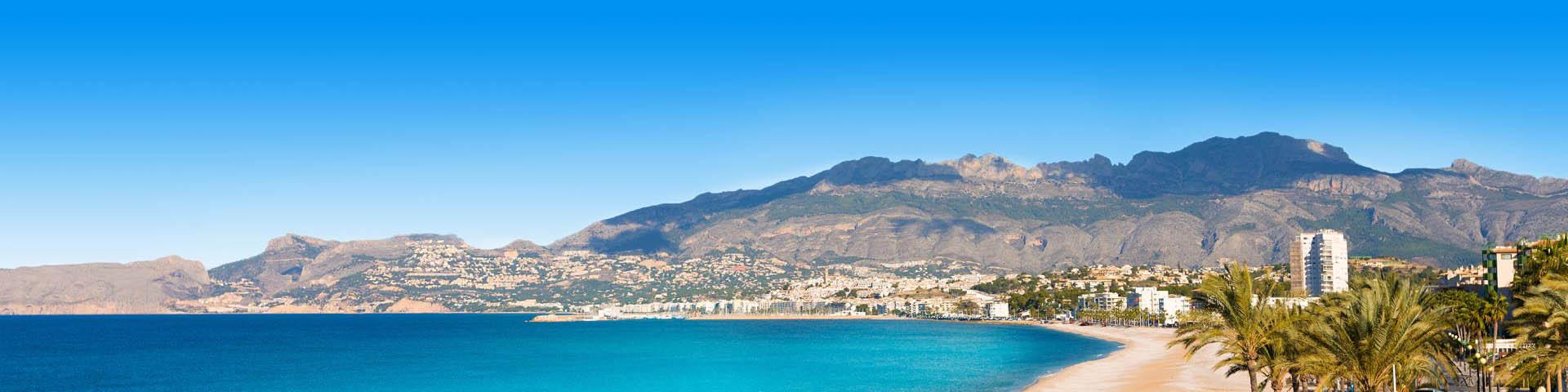 Prachtige strand en boulevard in Spanje