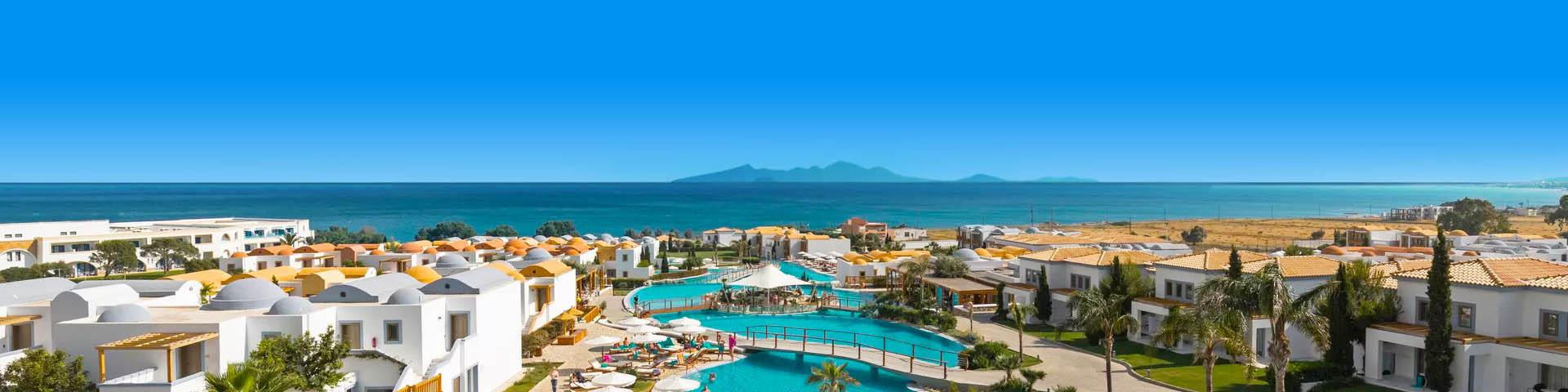 Mitsis hotel met zwembad en uitzicht op zee