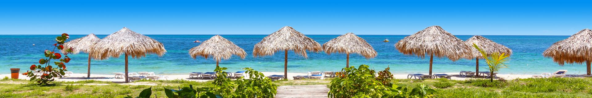 Uitzicht op het strand en de zee in Cuba