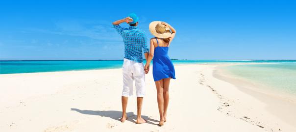 Een stelletje romantisch op vakantie