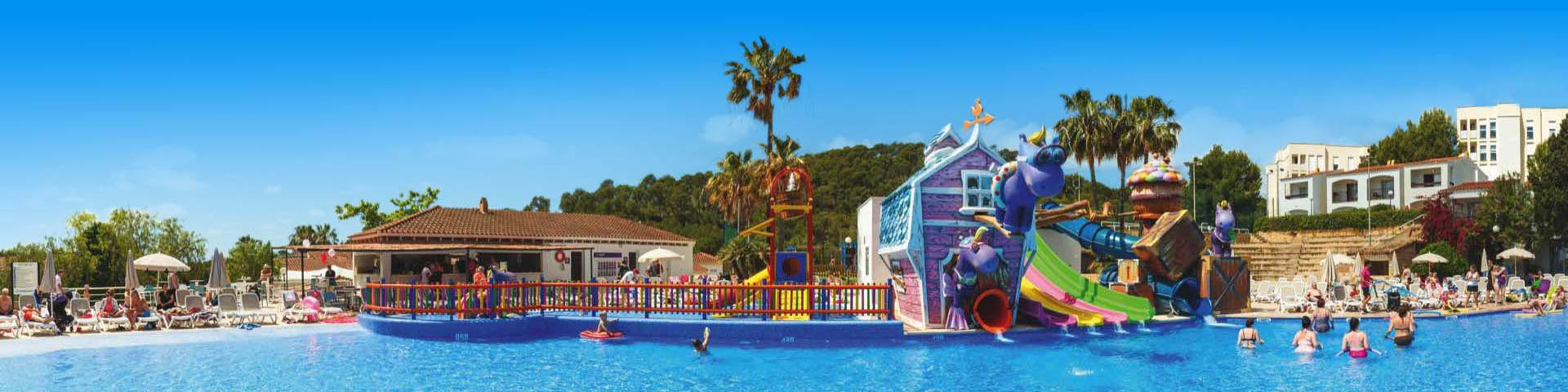 Waterpark met glijbaan in Spanje