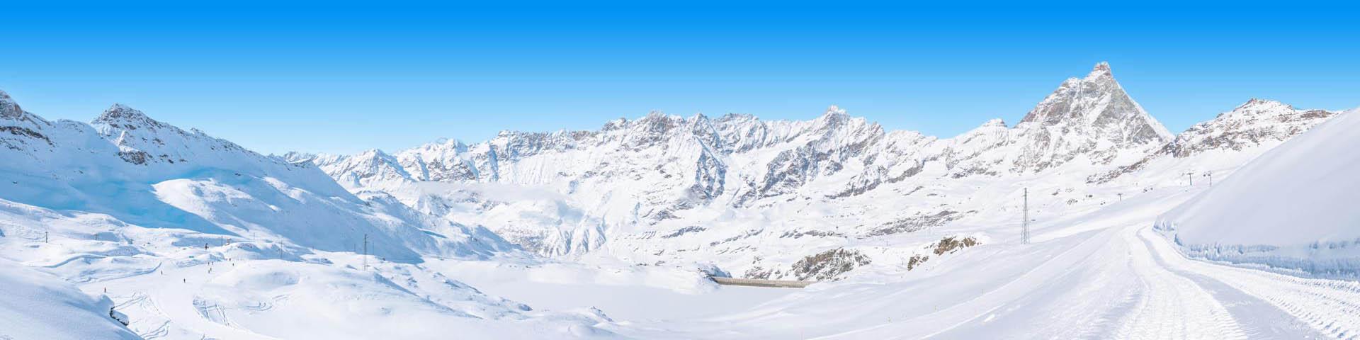 Prachtig besneeuwd landschap in Italië