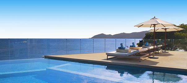 Prachtige infinity pool op vakantie