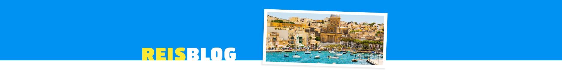 Mooi historisch dorp in Malta aan de blauwe zee