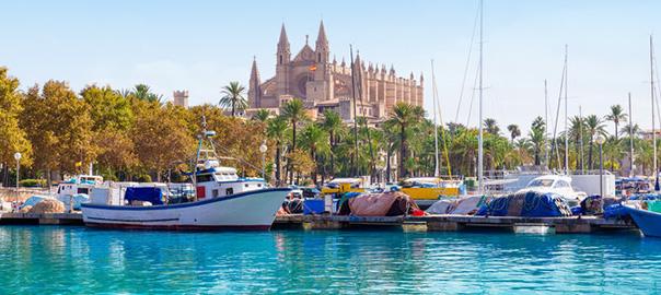 Bootjes in de haven op de Balearen